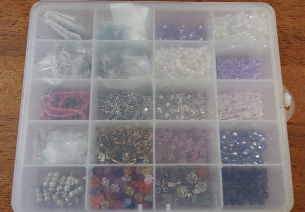 Storage beads in compartmentalized containers