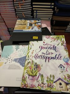 Monthly view inexpensive planners